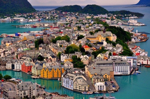 Most Amazing Pictures - Norway Alesund Birdseye of City