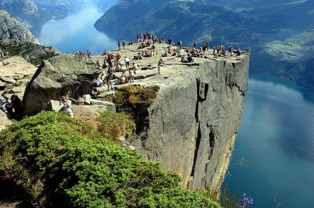 Most Amazing Pictures - Preachers-Rock-Preikestolen-Norway