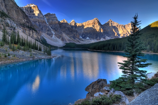 Most Amazing Pictures - Valley of the Ten Peaks, Moraine Lake, Alberta, Canada